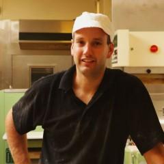 Bakker Bas bakt ambachtelijk (VIDEO)