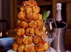 Eten met kerst: croquembouche