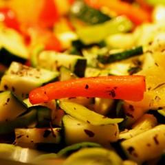 Gemakkelijke vegan groenteschotel