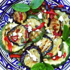 Salade van gegrilde groente en munt